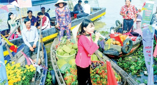 Cai Rang floating market culture festival 2019 opens in Can Tho city