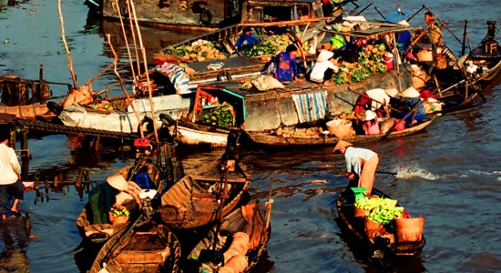 Cai Rang Floating Market in Sunrise and Fruit Garden (Code: MK1-CR 01)